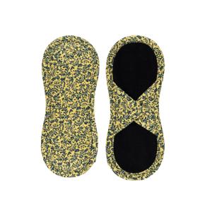 Bamboolik Látkové slipové vložky biobavlna, satén se suchým zipem tmavě modré ornamenty na zlatavě žluté