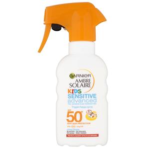 Garnier Ambre Solaire Sensitive Dětské mléko na opalování sprej SPF50+ 200ml