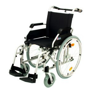 DMA 218-24 Invalidní vozík standardní šířka sedu 43 cm