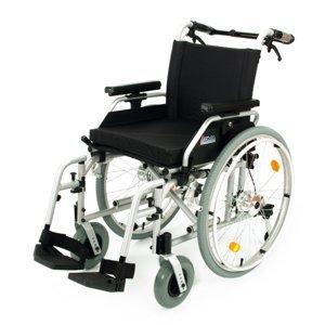 DMA 108-23 Invalidní vozík s brzdami šířka sedu 43 cm